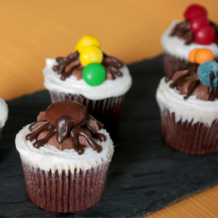 Creepy Crawly Critter Cupcakes   two-bite